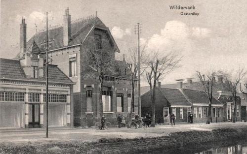 Nutsgebouw Wildervank met bibliotheek