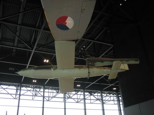 Duitse V-1 ofwel vliegende bom, opgesteld in het Nationaal Militair Museum te Soest