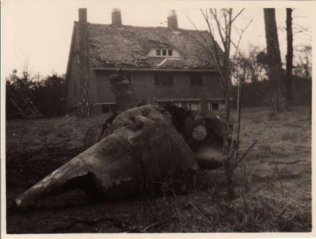 Voorbeeld van een mislukte poging tot lancering van een V-1 aan de Bekslaan bij villa dc Schapenkamp in Vogelenzang (1940-1945 Bloemendaal.nl)