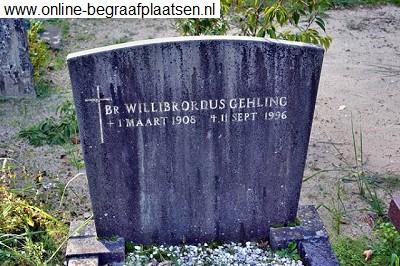 Graf van broeder Willibrordus Gehling (1908-1996) op het kerkhof Berkrode van de St.Bavoparochie in Heemstede