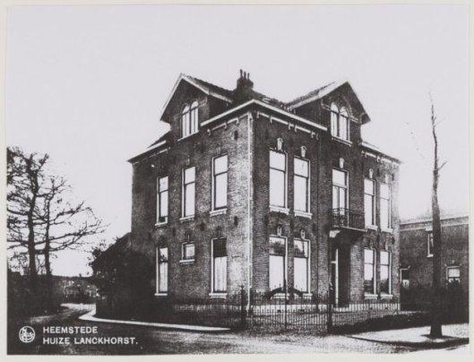 Huize Lanckhorst op de hoek van de Lanckhorstlaan en Bronsteeweg, later afgebroken, waar een aantal jaren Broeders hebben gewoond.