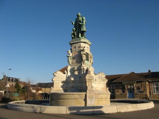 Rouen: monumentaal standbeeld van Jean-Baptiste de la Salle