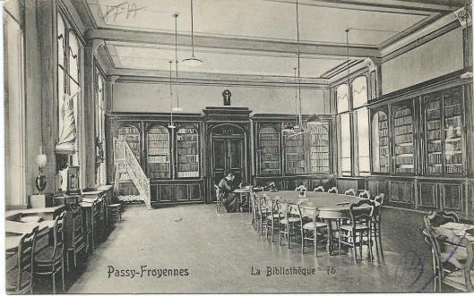 Passy-Froyennes nabij Tournai (Doornik) in België met bibliotheek in Instituut St.Luc, in 1904 gesticht door de broeders van de christelijke scholen.