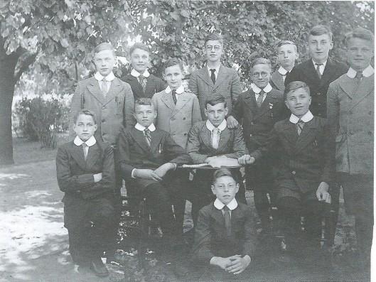 Juvenisten in Baarle-Nassau, 1936 (Uit boek José Eit, pagina 34)