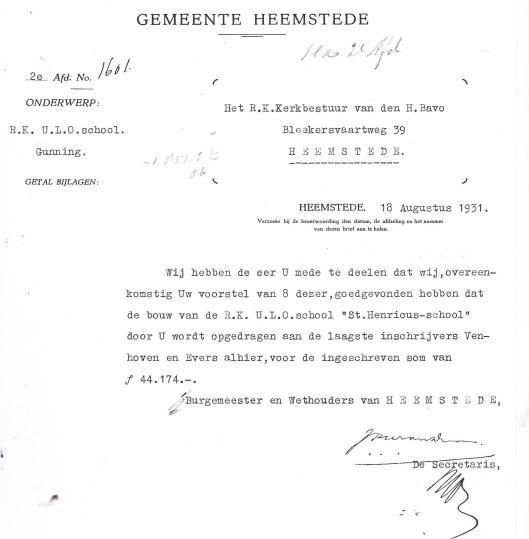 Bouwvergunning gemeente Heemstede om de Henricusschool te bouwen, gegund aan de laagste inschrijver aannemer Verhoven en Evers uit Heemstede