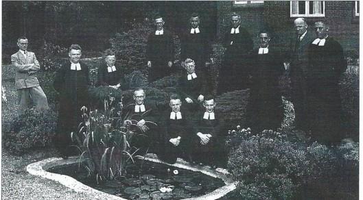 De broeders en leken van de St. Henricus ulo, schooljaar 1947-1948. In het midden broeder Willibrordus Gehling