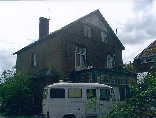 De Villa Bronsteeweg 36 Heemstede, gefotografeerd kort voor de afbraak in 2011. In 1908 ontworpen door Johannes Wolbers als directeurswoning voor N.H.Eldering van modelboerderij Bronstee.