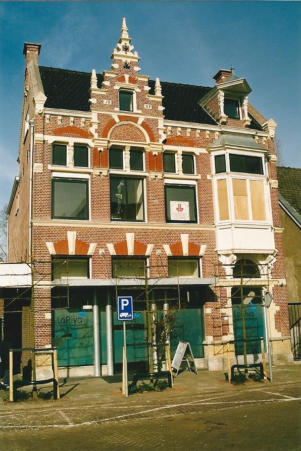 Pand Raadhuisstraat 27 Heemstede, in 1889 ontworpen als postkantoor (later in gebruik als politienureau) door Johannes Wolbers. Gerestaureerd door Cobraspen, foto genomen tijdens verbouwing door Cees Peper