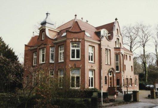 Villa Rhodesteyn, Mollaan/hoek Potgieterstraat 1 Bloemendaal (J.Wolbers, 1901)