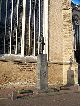 Verzetsmonument in Deventer; vervaardigd door Dirk J. Wolbers in 1957 en geplaatst in 1958