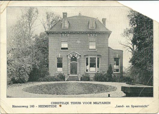 In 1908 liet de weduwe Van den Berg-Preijde ter hoogte van het vroegere 'Land en Spaarnzicht' een ruime villa bouwen onder architectuur van Johannes Wolbers uit Bloemendaal, zoon van de voormalige gemeentesecretaris van Heemstede Dirk Wolbers. Nadat het in de jaren 30 van de vorige eeuw leeg kwam te staan is het pand van 1938 tot 1940 in gebruik geweest als Christelijk Militair Tehuis, bedoeld als recreatieruimte voor in Heemstede van elders gelegerde soldaten. Bovenstaande ansichtkaart dateert uit die periode