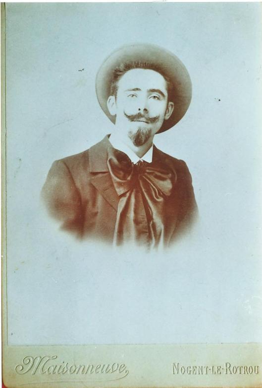 Portret van 'gentlelman' Lucien Monceau