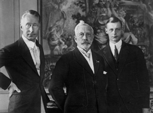 Kaiser Wilhelm II. mit Sohn und Enkel