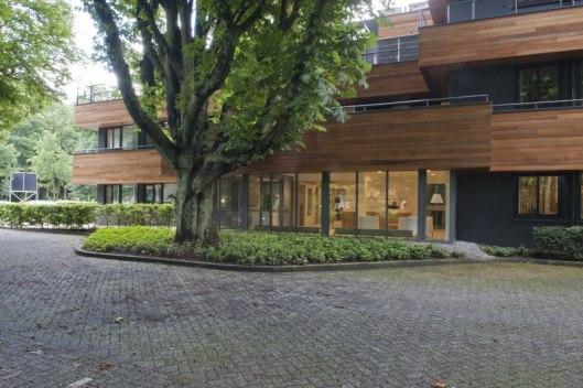 Voorgevel van voorgevel kantoorgebouw dat in plaats kwam ban Klein Berkenrode