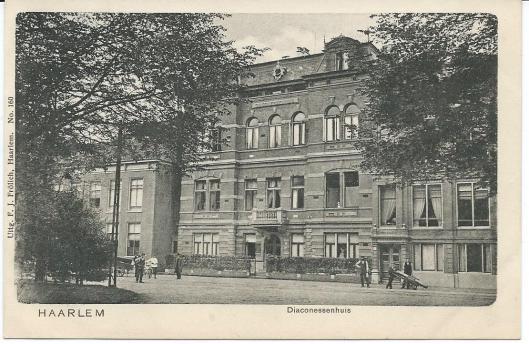 Het Diaconessenhuis aan de Hazepaterslaan in Haarlem op een ansichtkaart uit 1910. Hier werd Talma in 1913 verpleegd en stond hij onder de hoede van de voortreffelijke internisten dr. Nolen, die hem bevolen zelfs geen kranten te lezen, maar de medische wetenschap was nog niet z ver dat men Talma's problemen met hart en longen (benauwdheid) kon oplossen