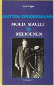 Anton Dreesmann ('voor de duivel niet bang' die in karakteristieke houding de vakbonden aanspreekt. Vooromslag boek