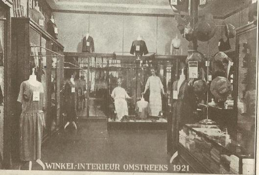 https://ilibrariana.files.wordpress.com/2016/08/vroominterieurhaarlem1921.jpg?w=529&h=358
