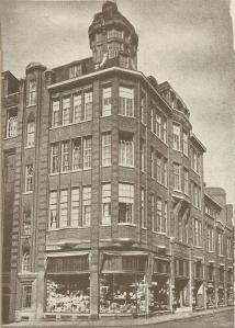 Winkel van Vroom en Dreesmann in de Korte Veerstraat Haarlem