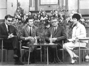 V.l.n.r. Godfried Bomans, Harry Mulisch, Simon Carmiggelt en Mies Bouwman