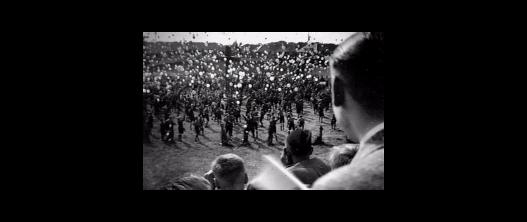 Nog een foto van de Kruisvaart-manifestatie op de wielerbaan van Heemstede, 1937