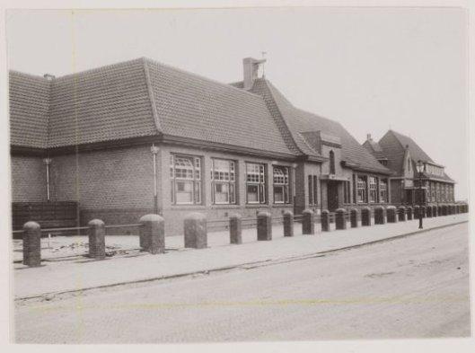 De St. Aloysisschool (nu Valkenburgerschool geheten) aan de Molenwerslaan