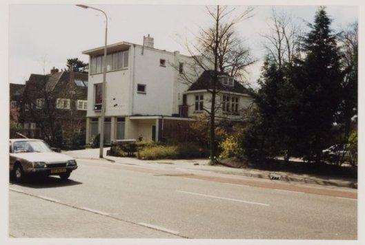 Kruyt woonde op het adres Herenweg 111, Heemstede, later na de oorlog na een verbouwing in gebruik geweest aan buurthuis, genaamd Centrum 111. (NHA)
