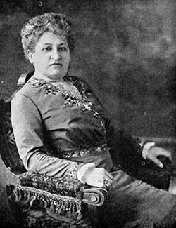 In 1928 was Nederland nog niet rijp voor een naar Aletta Jacobs (1854-1929) die zich inzette voor vrouwenbelangen op sociaal en medisch terrein en ijverde voor vrouwenkiesrecht, nog niet rijp voor een straatnaam. Na Heemstede in 1982 zijn er intussen een tiental in ons land.