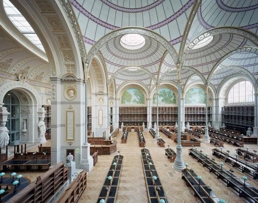 De gerestaureerde Labrouste-leeszaal van de Nationale Bibliotheek van Frankrijk in Parijs