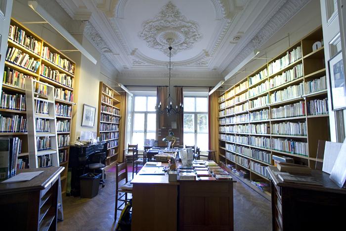Librariana een weblog gewijd aan bibliotheken boeken en for Auto en interieur den haag